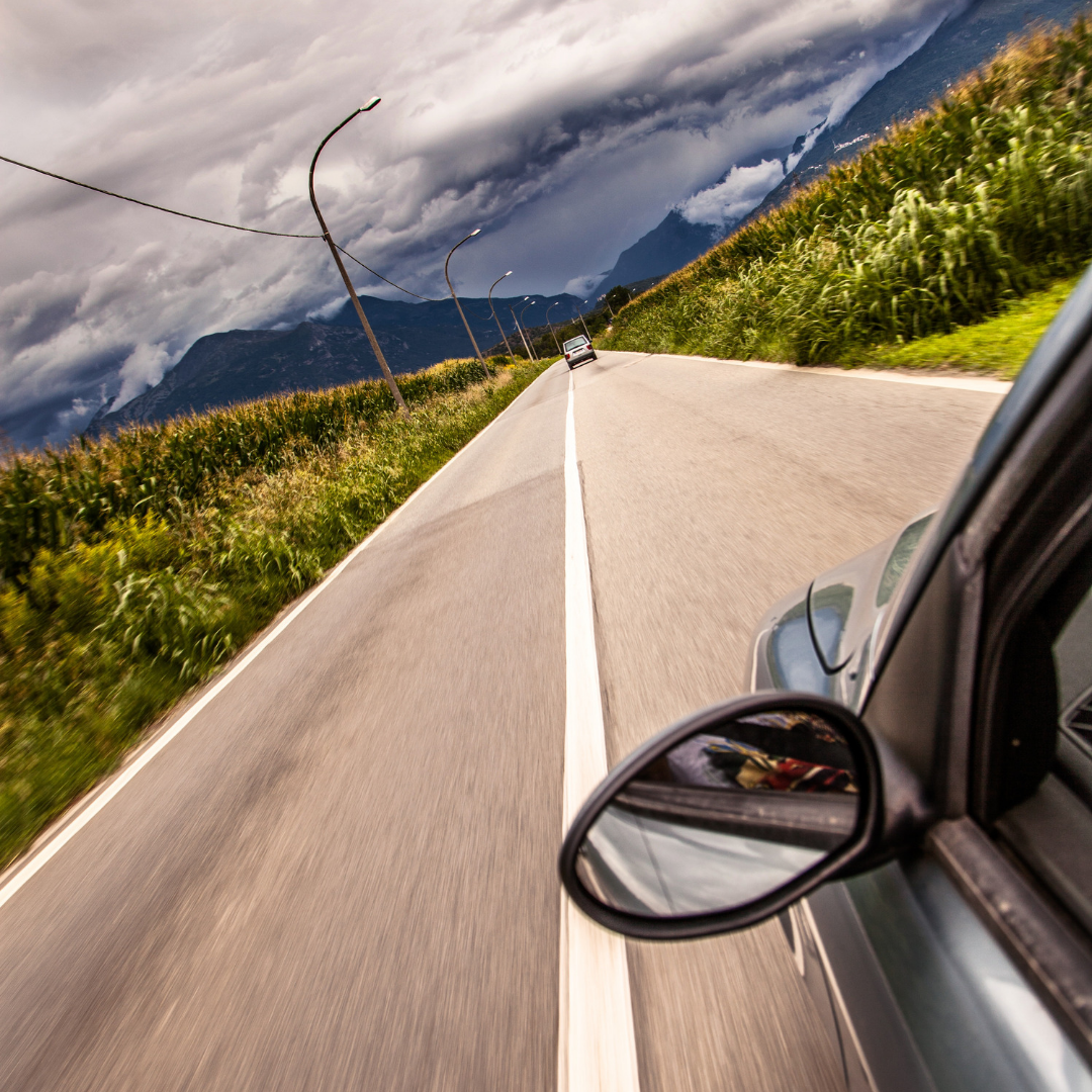 5 Driving Essentials For Any Road Trip
