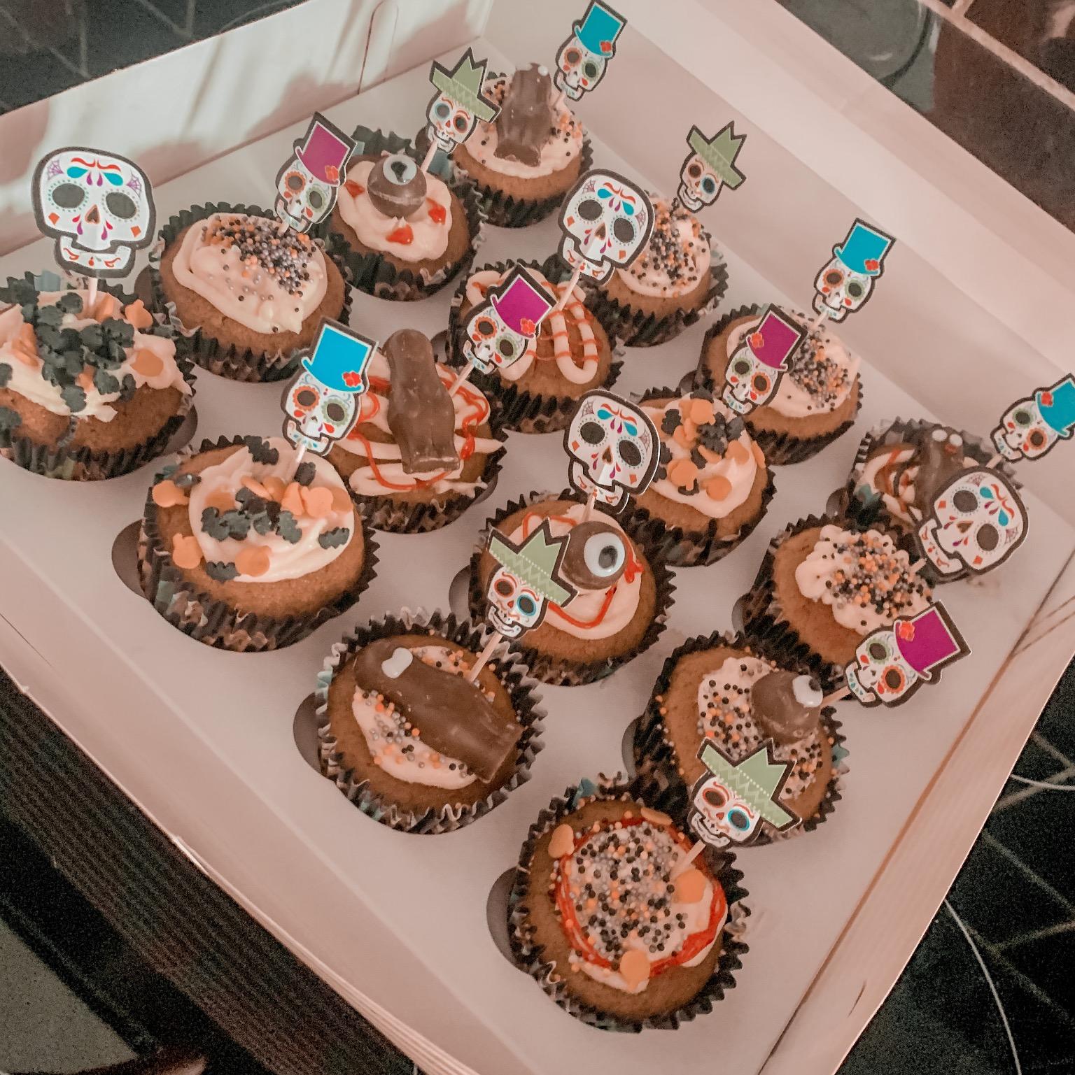 Easy Delicious Moist Pumpkin Cupcakes